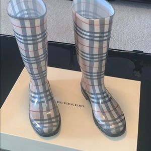 Vintage Burberry Rain Boots!